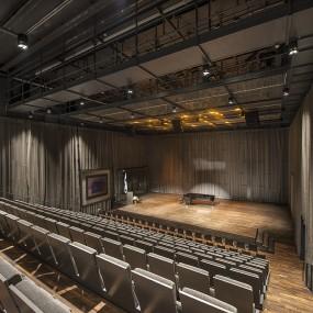 11 metriä korkea Kangasala-sali on monipuoliseen käyttöön suunniteltu konserttisali, jonka pääpaino on akustisessa musiikissa. Kiinteässä nousevassa katsomossa on 250 paikkaa ja loput 40 paikkaa ovat permannolla. Salin näyttämö ja taustatilat ovat kooltaan yhteensä noin 140m2.